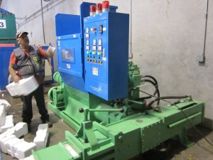 FD3000 polystyrene compactor
